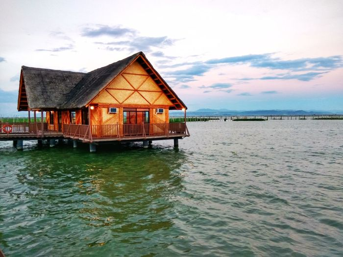Kulotitay Clicks Xiaomiphotography Shotbymi Xiaomiredminote3 Mobile Photography Water Sea Stilt House House Wood - Material Sky Architecture Building Exterior Built Structure