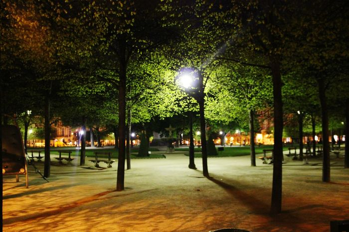 Square ParisByNight Paris Placedesvosges Night Photography Citylights Taking Photos Check This Out Hanging Out Nightphotography