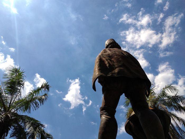 Last Man Standing History Philippines Manila Cruceido Intramuros Statue Tree Sky Close-up Cloud - Sky
