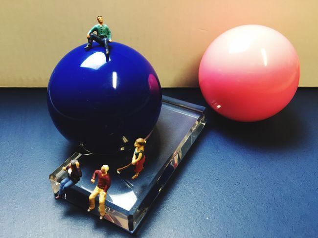 Spaßbilder Miniatur Billard Indoors  Sphere No People Still Life Close-up Balloon High Angle View Celebration Decoration Table Sport Design