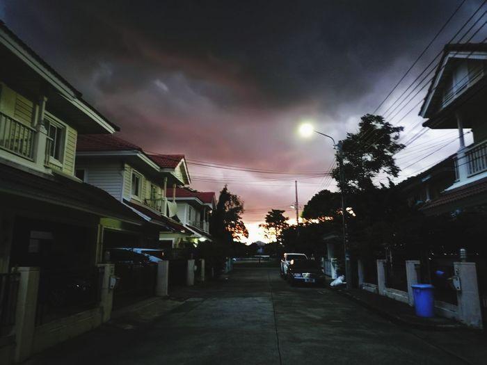 thunder storm Thunderstorm Dark Darksky Riot Sky Architecture Building Exterior City Street