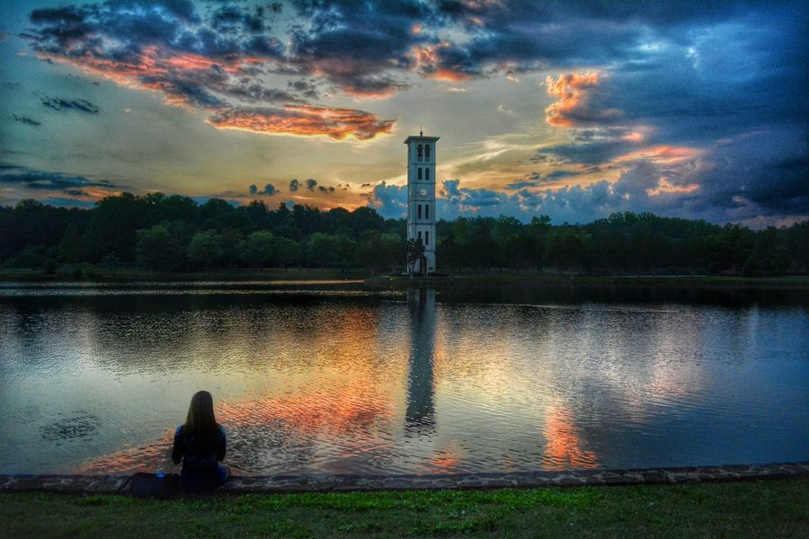 Watching the Sunset_collection at the EEA3 - Greenville event. EEA3 Check This Out Elegance Everywhere EyeEm Best Shots The Portraitist - 2015 EyeEm Awards Hanging Out The Great Outdoors - 2015 EyeEm Awards The Moment - 2015 EyeEm Awards