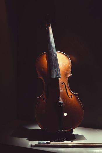 Private Music Arts Culture And Entertainment Black Background EyeEm Music Brings Us Together Music Violin Violin Soul The Weekend On EyeEm The Week On EyeEm
