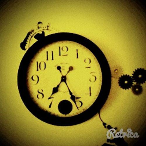 The old clock on the wall ☺ Clock Love Theatre Charliechaplin