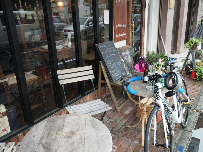 Streetphotography Taking Photos Cafe Walking Around Relaxing My Bike Rainy Day 雨だから屋根の下での撮影(苦笑)。正面から撮れなかった(>_<)→防塵防滴カメラが…☆