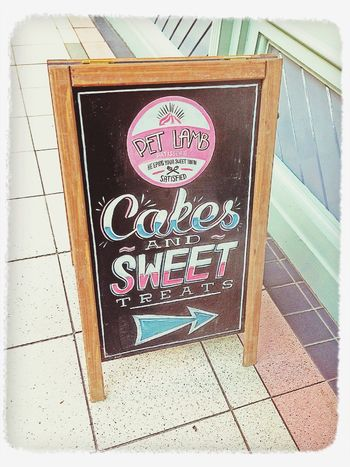 Cake shop in Oxford! Vintage Shop Signs Street Photography