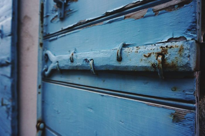 Color Palette Antiques Blue Door Hinges France 🇫🇷 Gateway Painted Wood Textures Painted Wooden Doors Getty Images