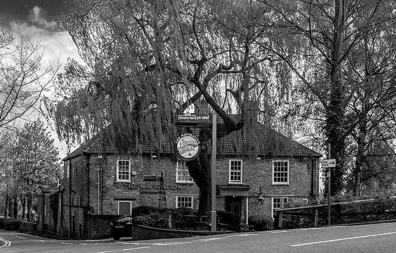 The Navigation, Stoke Breurne, Northamptonshire Black And White Northampton Pubs Architecture Northamptonshire