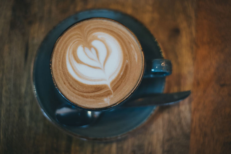 Coffee Coffee - Drink Drink Coffee Cup Frothy Drink Hot Drink Cappuccino Saucer Indoors  Latte Heart Cafe