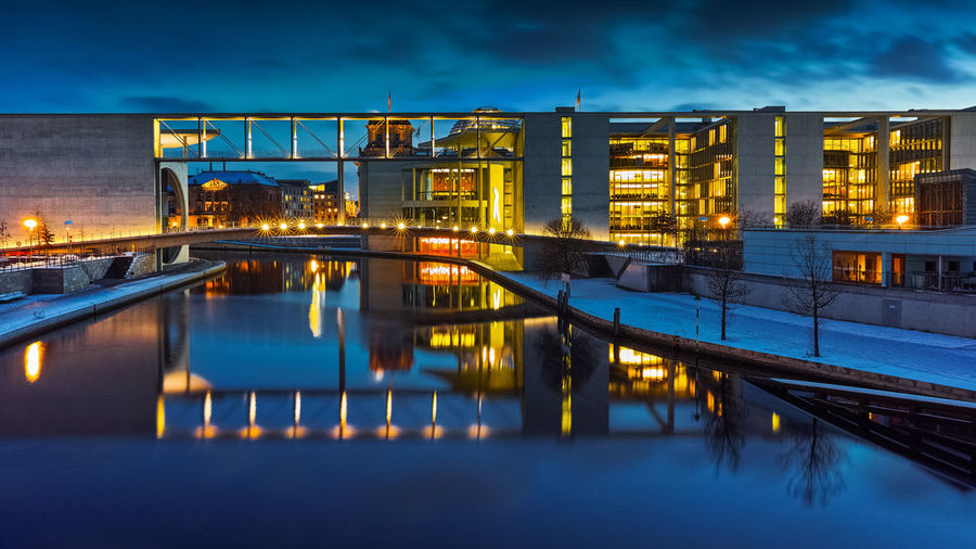 Berlin's Government District - Nightscape Architecture, Architektur, Berlin, Blaue Stunde, Bundestag, Canal, Dämmerung, Deutschland, EyeEm, Germany, Goverment District, Kanal, Lichter, Nachtfoto, Night, Paul-Löbe-Haus, Regierungsviertel, Reichstag, Reichstagskuppel