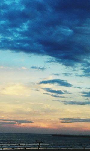 O céu vestido de cor... belo fim de tarde...fim de ano abençoando o ano novo!!!