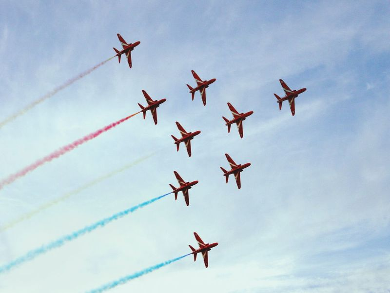 Flying Airplane Formation Flying Air Force Red Arrows Air Display
