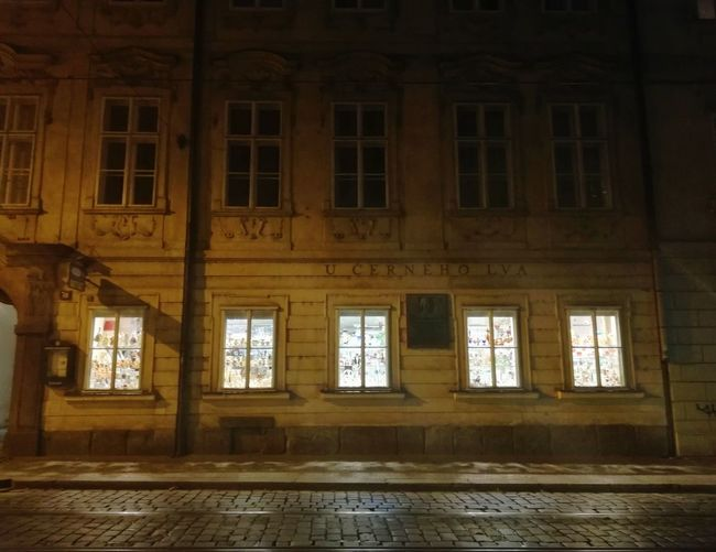 Cinco Ventanas Window Praga Prague Light Night Chequia City Window History Architecture Built Structure Place Of Worship Ancient Civilization Catholicism Civilization Old Ruin