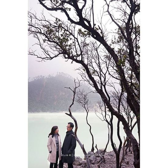 Winter season? for anthony & @vivinhuang Captured @welky Icliqphoto brushed@vichristiana hairstyled@jeffrywellyhair Styled@jamesartha Sony A7 Prewedding Bandung 28f2 Visitindonesia Loveindonesia