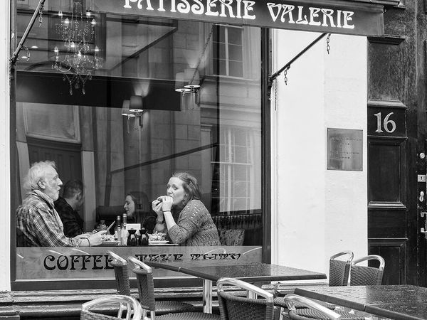Spotted! Upclosestreetphotography Upclose Street Photography Streetphotography Street Glasgow  Cafe Cafeteria Blackandwhite Blackandwhite Photography Monochrome Up Close Street Photography