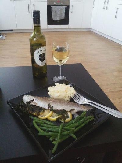 Amazing Dinner in London Enjoying Life Relaxing