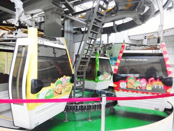 Go..go..go..😁 Hanging Out The View And The Spirit Of Taiwan 台灣景 台灣情 Maokonggondola Gondola Enjoying Life Check This Out Amazing Taiwan Exploretaiwan
