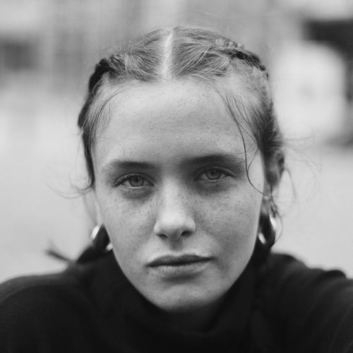 The Portraitist - 2017 EyeEm Awards Heloisse Brussels 2017 Portrait Looking At Camera Front View Focus On Foreground Real People One Person Headshot Close-up Human Face Day Outdoors Young Adult