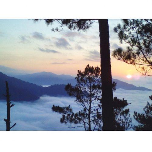 Sunrise. Sea of clouds. Marvelous nature. Friends for keeps. SagadSagada Sagada2015