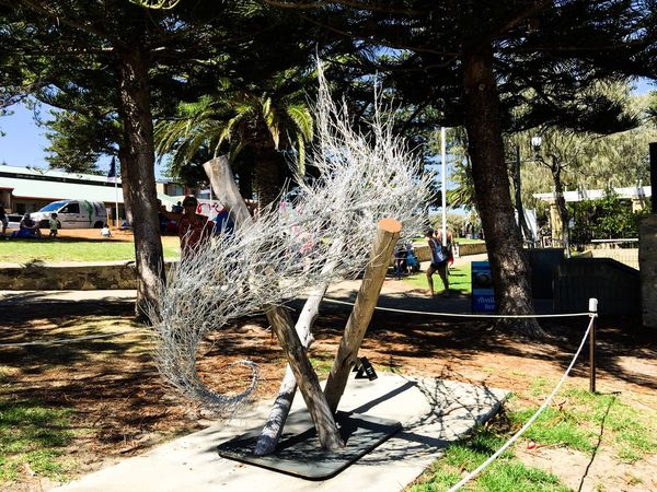 Modern Metal Sculpture Culture Artistic Expression Tourists Interactive  Cottesloe Beach Tourist Attraction  Western Australia Sculptures Sculptures By The Sea March 12,2016 Arts And Entertainment Abstract Art ArtWork Arts Festivals Modern Art Metallic Fibrous Movement Design Outdoor Sculpture Silver  Metal