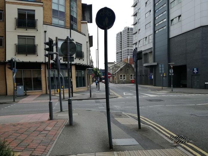 City Street Footpath Architecture Stretphotography Swindon Gridlove