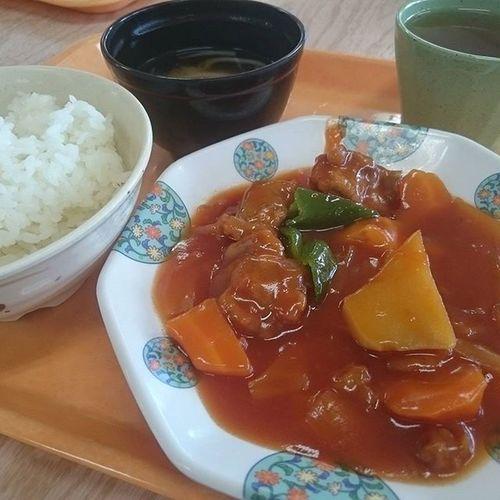 今日の社食(^-^)/ 酢豚ランチ~(460円) 今日は麺類なしw J社食シリーズ
