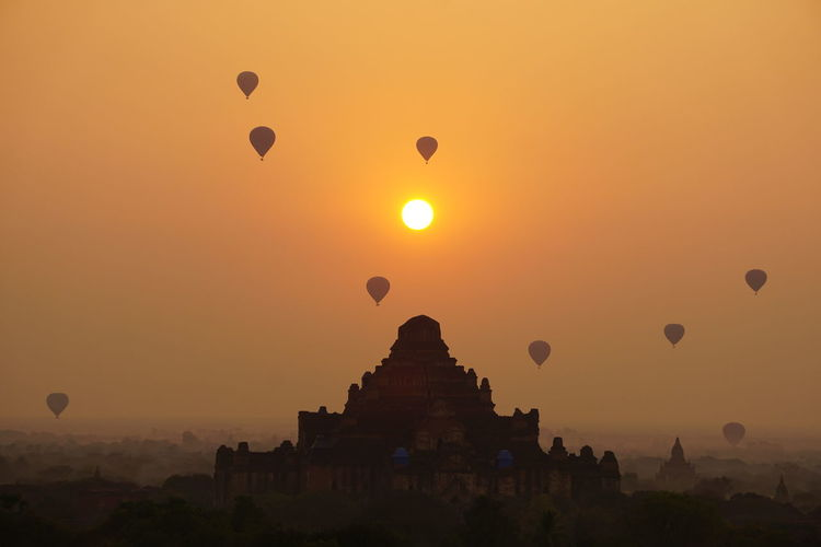 Sunrise Hot Air Balloon Historical Site Arqueology , Bagan , Myanmar. (No Filter No Edit)