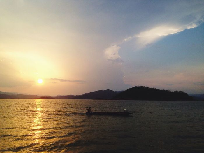 Sunset Sunset Thai Water Lagoon Sun Boat Dam KaengKrachan Fishing