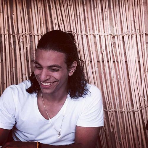 Smiling Wood - Material Happiness Outdoors Dahab Red Sea Culture And Tradition Manbun Manbunlifestyle