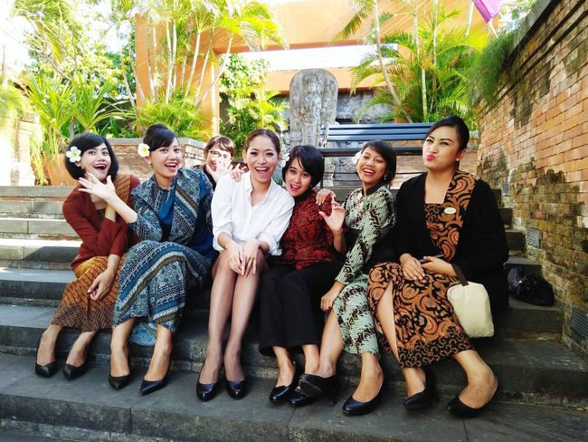 Indonesia's Ivanka Trump cheering up with the girls! B-) Hoteliers Pretty Girls Afternoon Happy & Cheerful Professional