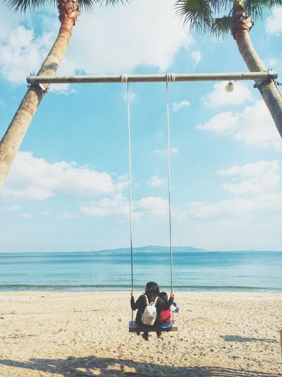 糸島 Sea Sky Horizon Over Water Swing Outdoors Togetherness Beauty In Nature Nature Two People Relaxing Peace And Quiet Warm Light Tranquility EyeEm Nature Lover EyeEm Gallery EyeEm Best Shots Color Of Life Getting Inspired Water Beach Skylovers Lifde Is A Beach
