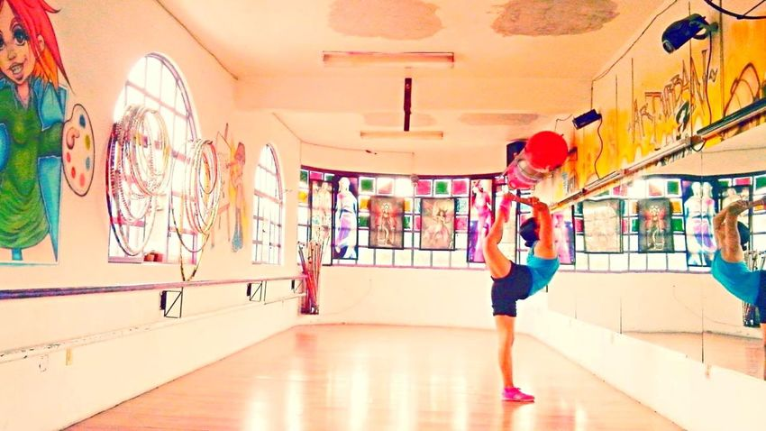 That's Me Taking Photos Dance Dancer Streching Dancefloor Danza Bailarina Happy