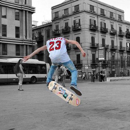 Il mondo è nelle mani di coloro che hanno il coraggio di sognare e di correre il rischio di vivere i propri sogni. (Paulo Coelho) PH: Io Photo Photos Pic Pics Tagsforlikes Picture Pictures Snapshot Art Beautiful Instagood Picoftheday Sk8 Skateboarding Skateboard Skate Skateordie Skateanddestroy Skater Fotografia Arte Artist Skateboard Skatecrunch Skateamerica gripgum Italianskateboarding skateeuropa skateworld