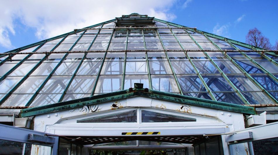 Architecture Building Exterior Low Angle View Modern Sky Glass - Material Cloud - Sky Glass Pyramid