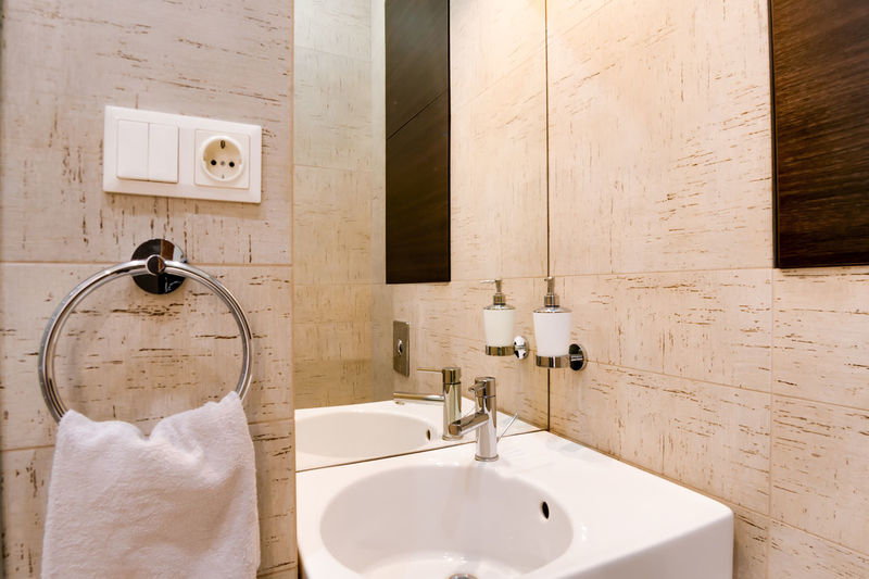 Bathroom Domestic Bathroom Faucet Sink Home Domestic Room Hygiene Indoors  Towel Bathroom Sink Household Equipment No People Mirror Home Interior Luxury Built Structure Home Showcase Interior Wash Bowl Modern Architecture