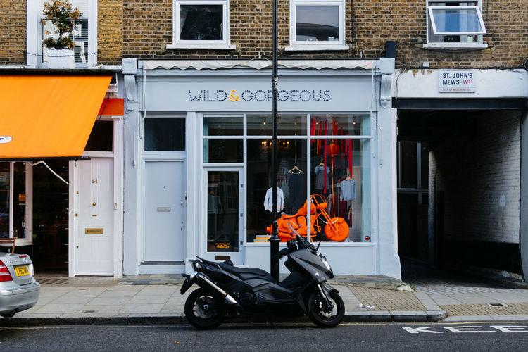 Notting Hill Streetphotography London Londonlife LONDON❤ Shop Moped