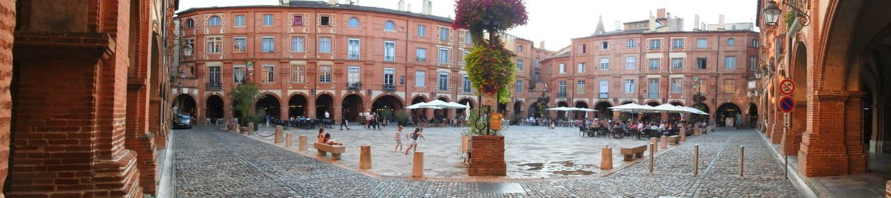 Place Nationale Montauban Battle Of The Cities France Square National Square City Street Monument Old Town Panoramic Photography Getting Inspired History