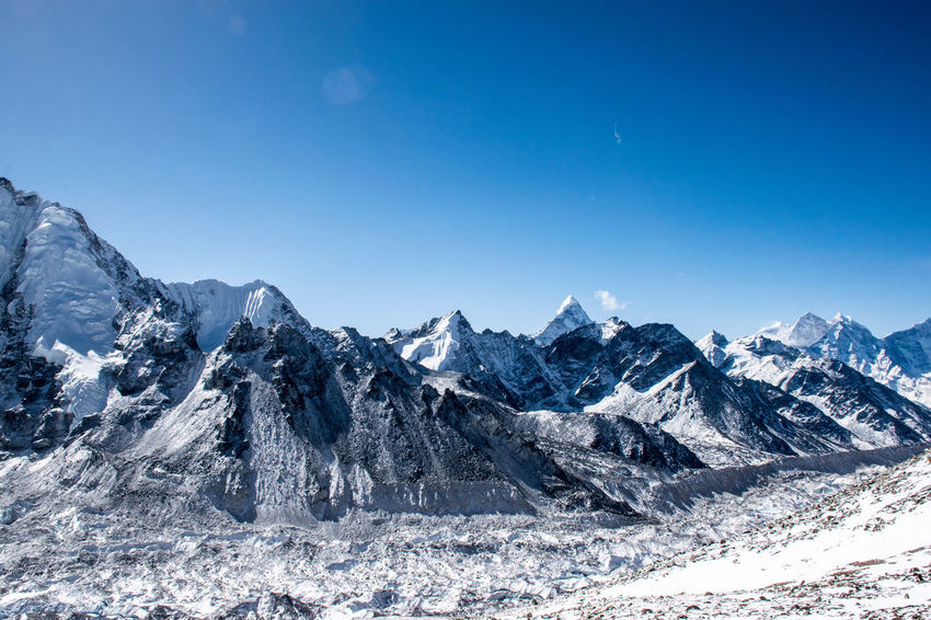 Untitled Export Lost In The Landscape Beauty In Nature Cold Temperature Mountain Mountain Range Nature Outdoors Snow Snowcapped Mountain Tranquil Scene