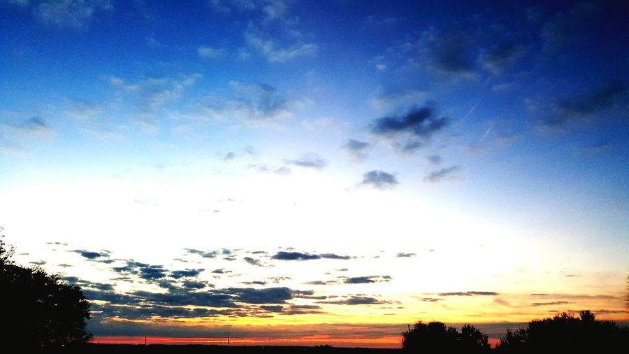 nofilternoeditNofilterneeded Sunrisesofeyeem Happytobealive Storm Cloud Hills And Valleys Sunrise_sunsets_aroundworld Sunrise And Clouds Triksaphotography Greatphotosofeyeem Beauty In Ordinary Things Wintermorninginflorida Outdoors Galaxy Cloudscape Cloud - Sky Vapor Trail Dramatic Sky Beautiful World Just Amazing Beauty In Nature Astronomy Scenics Peace ✌ Lush - Description