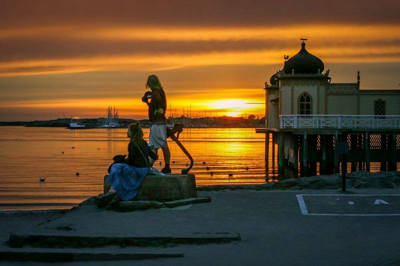 Look out for your dreams! This summer in Varberg, Sweden. Hanging Out Check This Out Taking Photos Hello World Enjoying Life Varberg, Sweden Summer Views Sunset Peoplephotography Streetphotography Couple Love Sunset In Sweden Sweden Varberg Sunset_collection