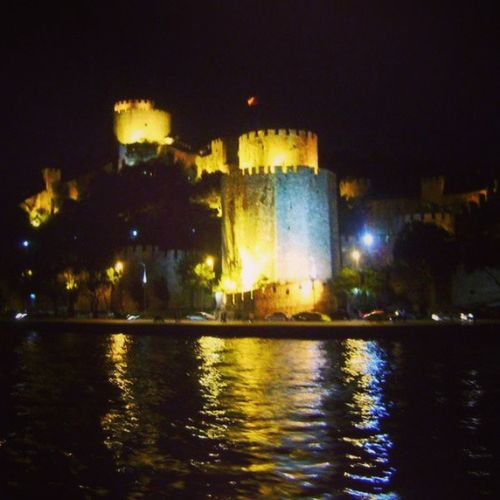 Rumelihisar ı Hisar Kale Istanbul estambul bosphorus boğaz istanbulboğazı turkishfollowers turkey türkiye mytravelgram myworld mycity castle instafocus instabelasfotos instaturkey instamood instalife igers igersistanbul igersturkey worldunion sea deniz night gece history amazingturkey