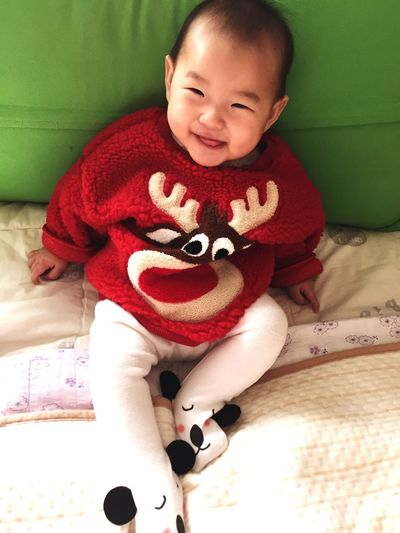 baby Baby Childhood Indoors  Cute Real People Happiness Smiling Looking At Camera One Person People