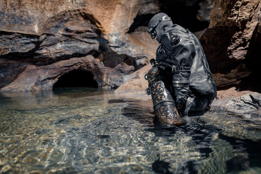 Exploring cave Hlboko Underground Adventure Cave Caves Caves Photography Caving Nature One Person Outdoors People Rock - Object Scuba Tank Speleo Speleologia Speleology Spéléologie Water