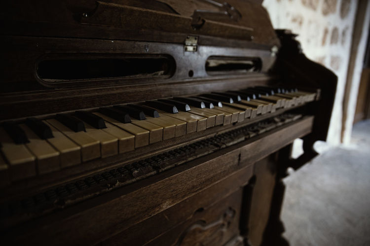 Music Piano Musical Equipment Musical Instrument Indoors  Arts Culture And Entertainment Piano Key No People Selective Focus In A Row Close-up Old Wood - Material Antique Still Life Focus On Foreground Keyboard Instrument Technology Domestic Room
