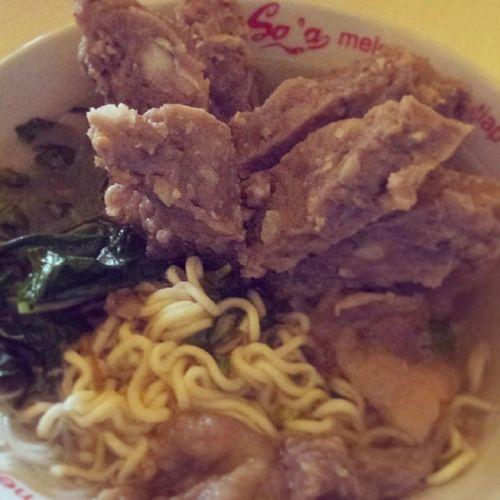 Baso urat!!! sluuurp :9 Meatball Noodle Vegetables Indonesianfood wisatakuliner Indonesia