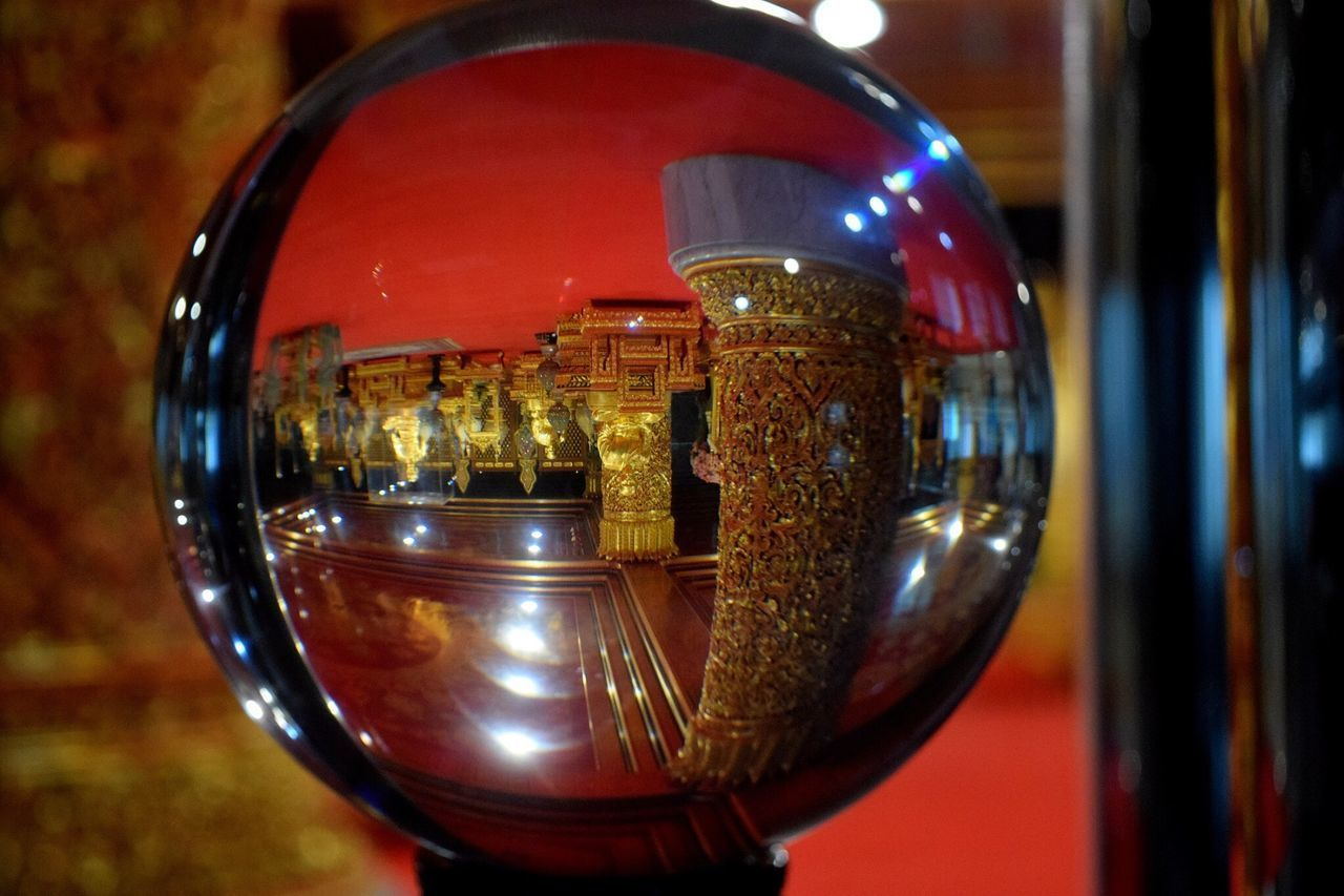 close-up, focus on foreground, glass - material, transparent, still life, indoors, no people, reflection, food and drink, metal, refreshment, alcohol, sphere, built structure, drink, shape, circle, geometric shape, shiny