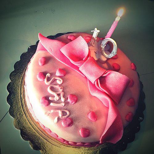 Happy Birthday! Torta Fiocco Auguri