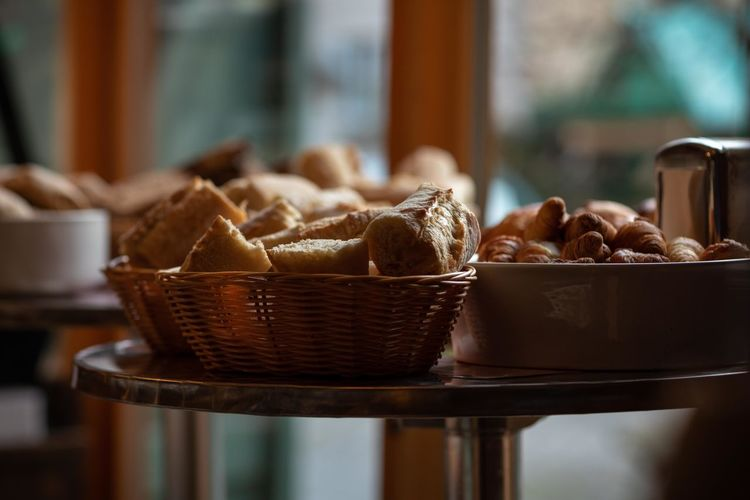 fresh bread Food And Drink Food Basket Indoors  Container Freshness Focus On Foreground No People Wicker Selective Focus Healthy Eating Table Day Close-up Still Life Wellbeing Bread Choice Brown Variation Temptation