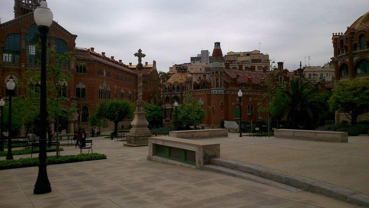 Hospital de la Santa Creu i Sant Pau #barcelona #spain #CATALUNYA #Garden #hospital Architecture Building Exterior Built Structure
