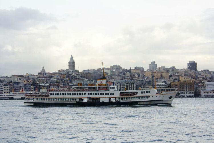 Sky And Clouds Galatatower Istanbullovers Istanbul City Istanbul - Bosphorus Ist_instagram Great Views Bosphorus Haliç Istanbuldayasam